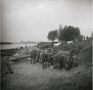 12. 1914. Строительство переправы через реку Сан у деревни Кемпа. Галиция, сентябрь