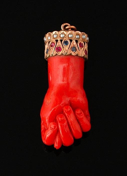 Coral Mano Fico (Figa) amulet pendant.jpg