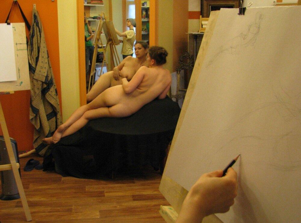 Читать моя жена позирует художникам