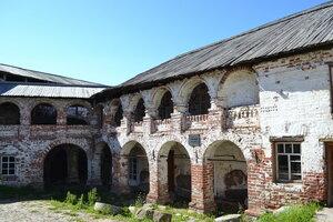 Хозяйственный постройки в монастыре XIIв.