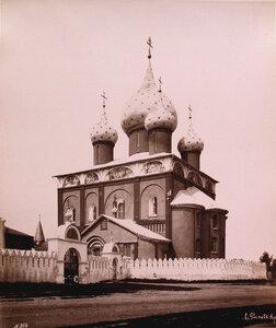 Вид юго-восточного фасада собора Рождества Богородицы (построен в 1222-1225 гг.). Суздаль г.