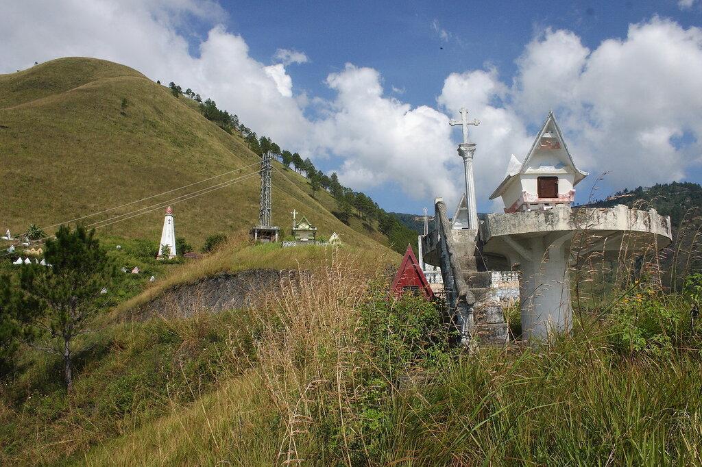 Батакские захоронения