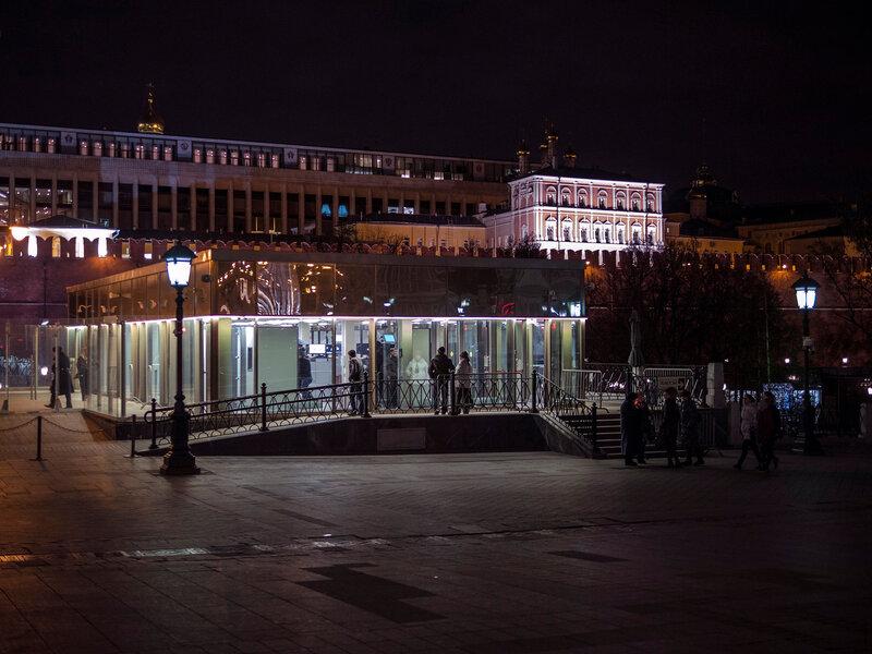 Вход в Кремль (для просто граждан)