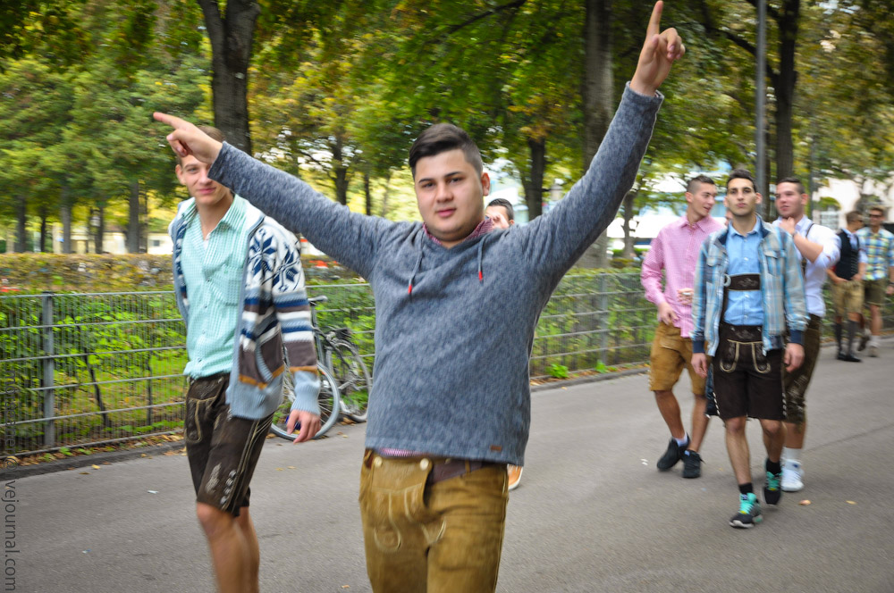 boys-Oktoberfest-(3).jpg