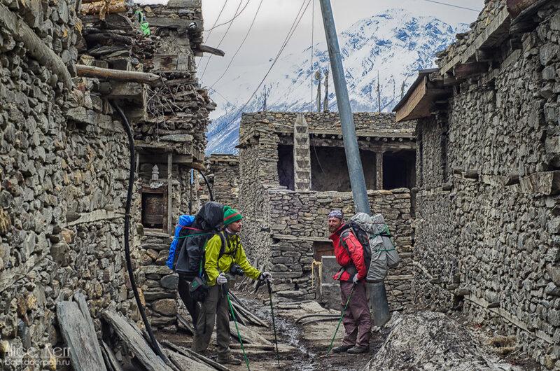 улицы в мананге, гималаи, непал