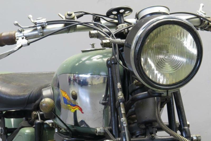 Royal-Standard-1929-2508-7.jpg