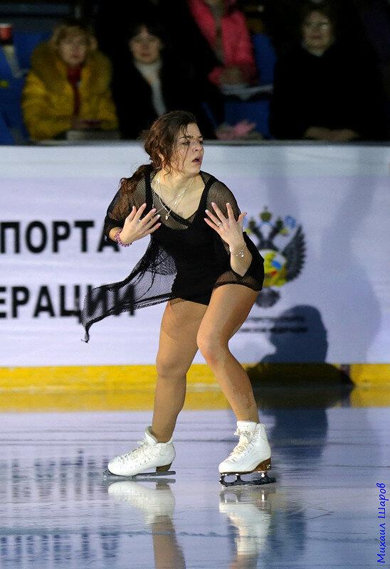 Аделина Сотникова - 2 0_14810e_4af35dbf_XL