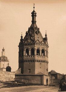 Вид восьмигранной башни,перестроенной в 1863-1865 гг. в колокольню Богоявленского монастыря. Кострома г.