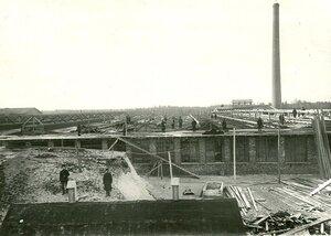 Строительство завода.