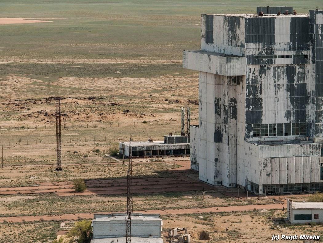 【画像】ロシアの廃墟すげぇwソ連時代のスペースシャトルが無傷のまま放置されてて胸熱