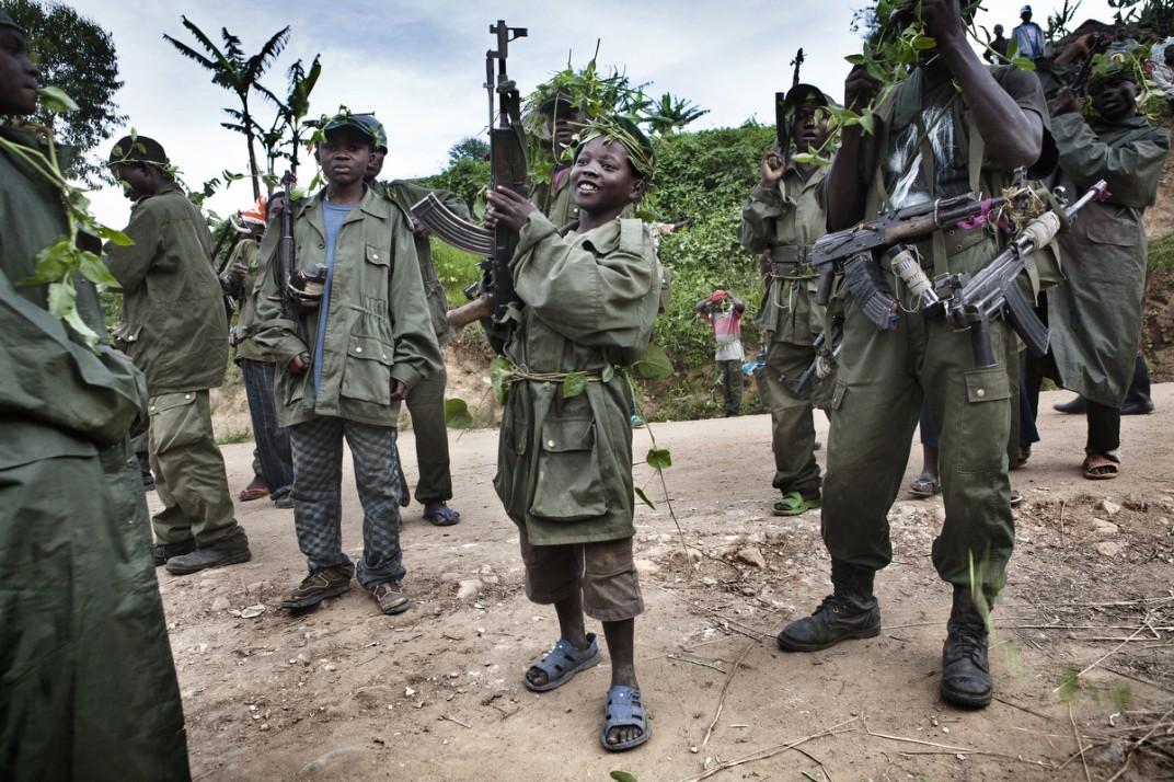 Конго - солдаты на снимках британского фотографа Marcus Bleasadale (6)