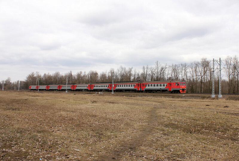ЭТ2М-090 на станции Колпино