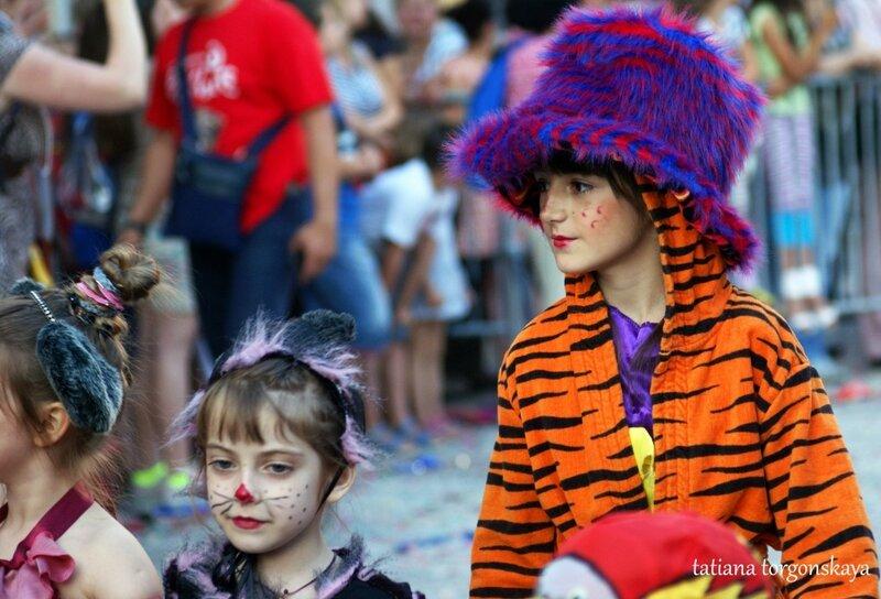 Участники детского карнавала