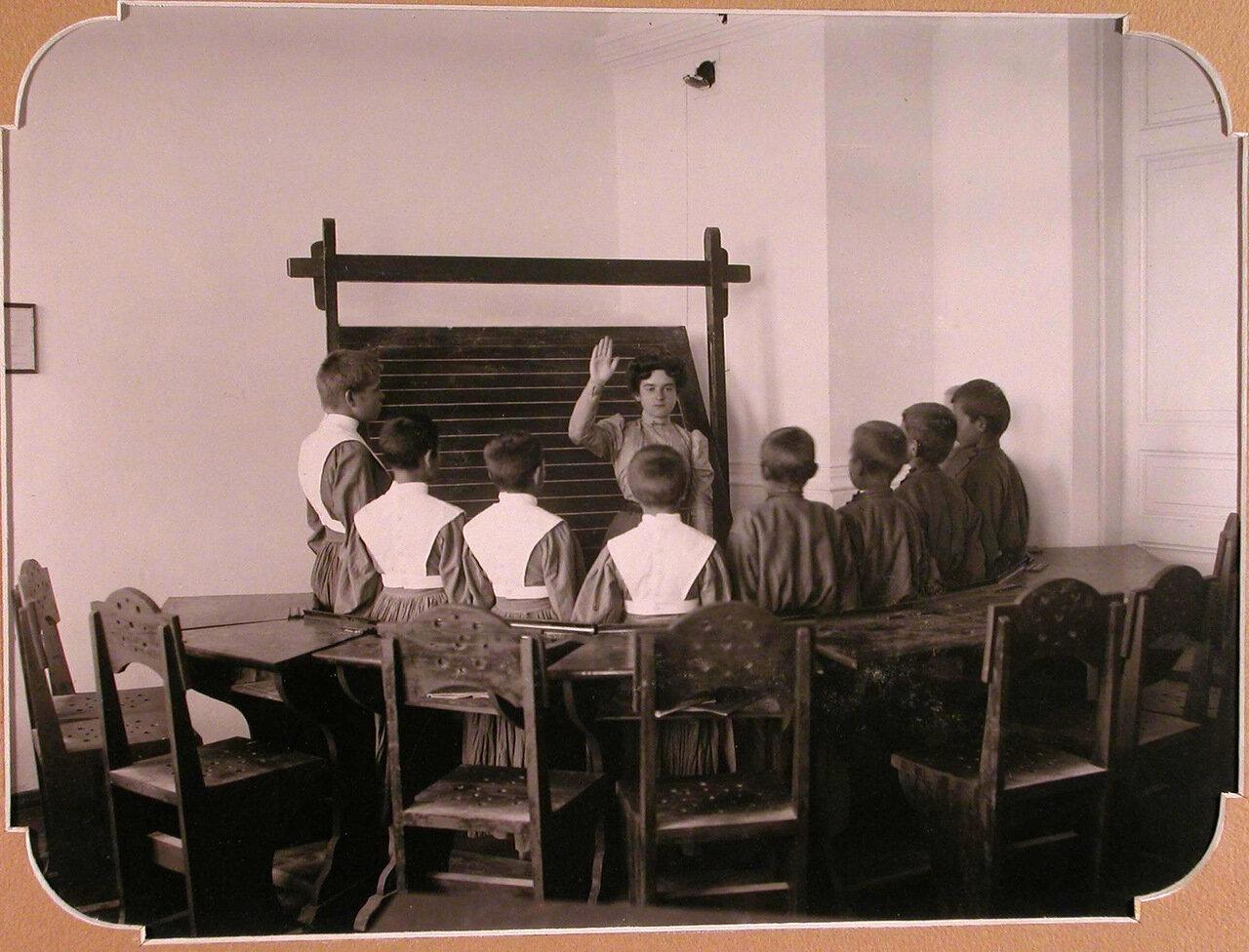 09. Воспитанники Евпаторийской школы занятий по звуковому произношению