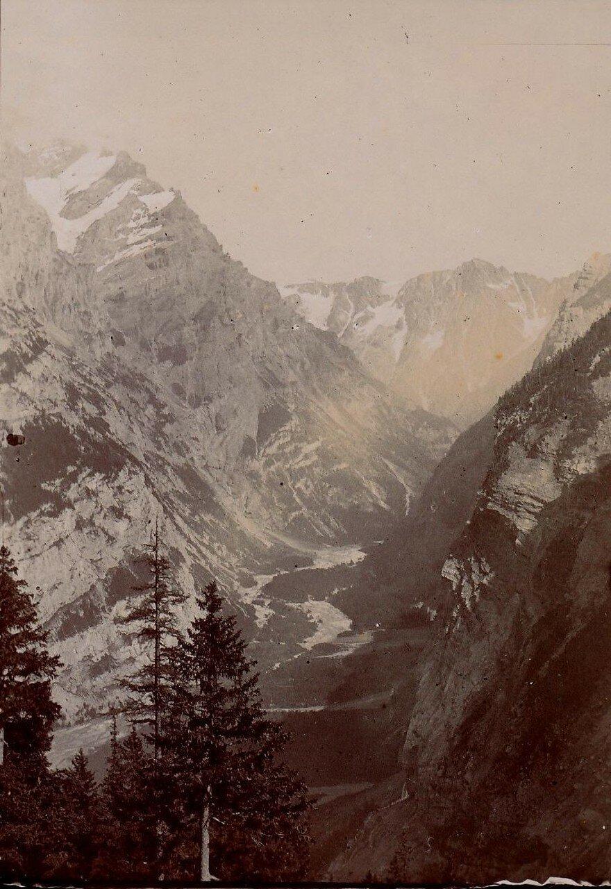 Вид на долину Гастерен
