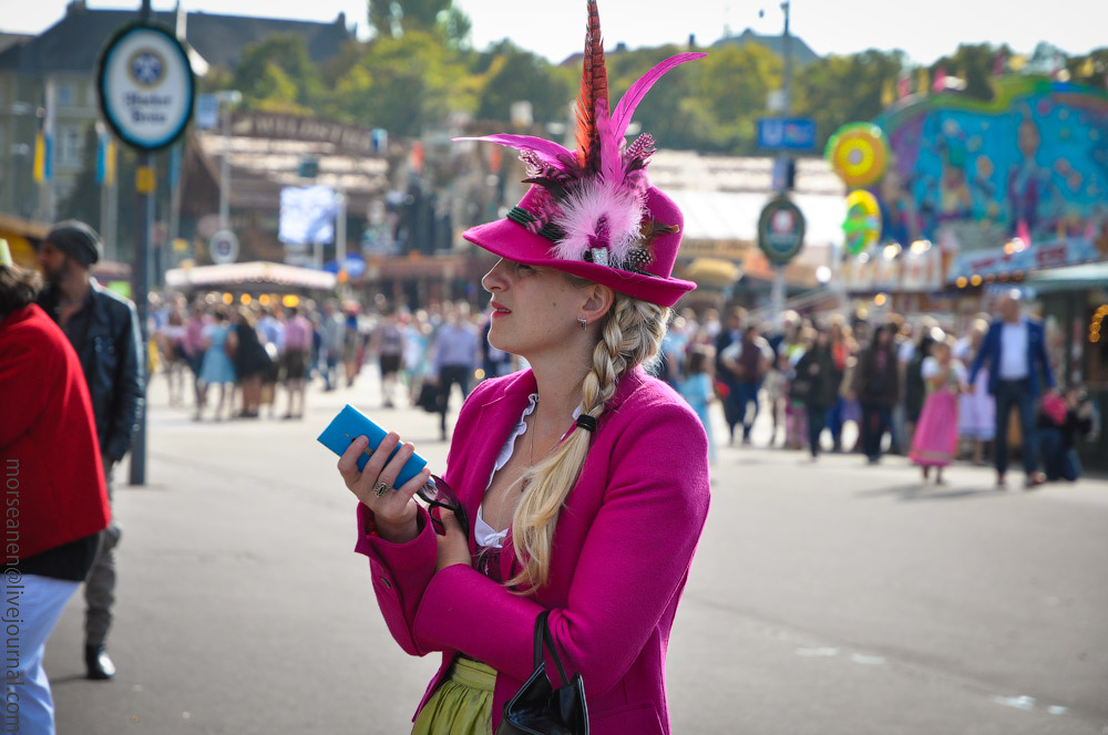 girls-Oktoberfest-(11).jpg
