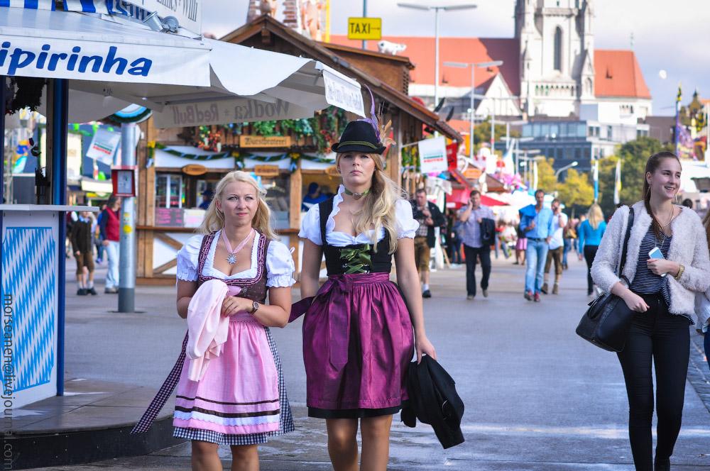 Женские выпуклости и впадины на Октоберфесте girls-Oktoberfest-(17).jpg