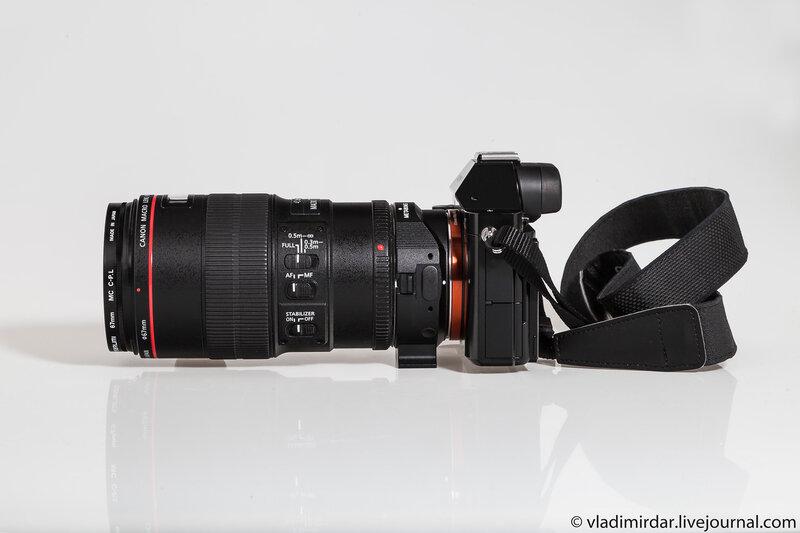 Полнокадровая компактная системная камера Sony Alpha A7R с объективом Canon EF 100 mm F/2.8 L Macro IS USM