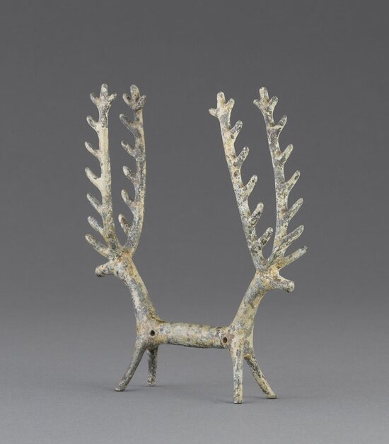 Double figurine composed of the fore-quarters of facing cervids Bronze Iran in the Iron Age (14th–mid-6th century BC) and during the Neo-Elamite dynasties