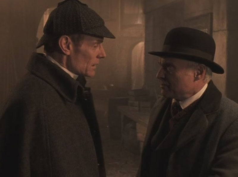 2001 г. Знак четырех. В роли Холмса Мэтт Фрюэр.jpg