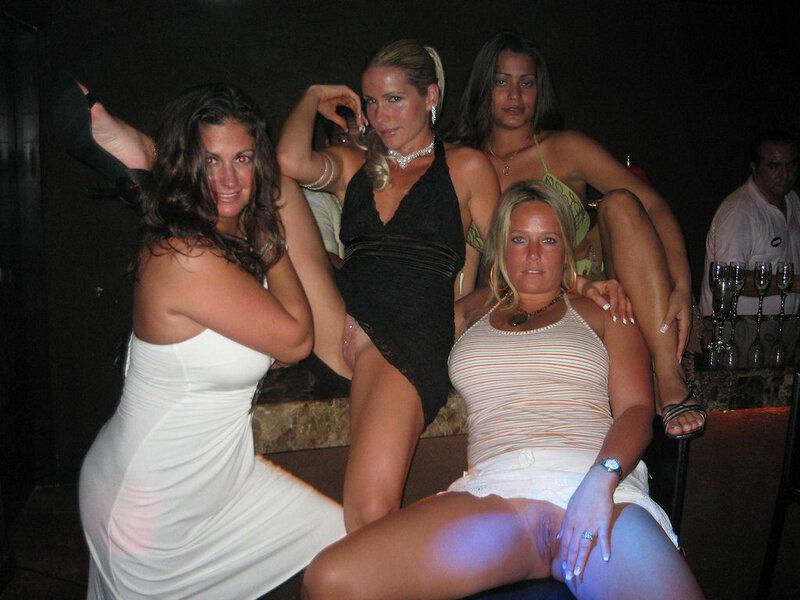 Nightclub flashing girls — pic 5