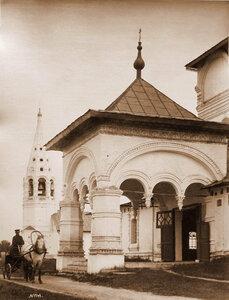 Вид портика церкви Феодоровской иконы Божией Матери. Ярославль г.