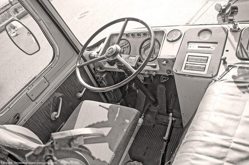Лето. Парад ретроавтобусов. 09.08.14.06с..jpg