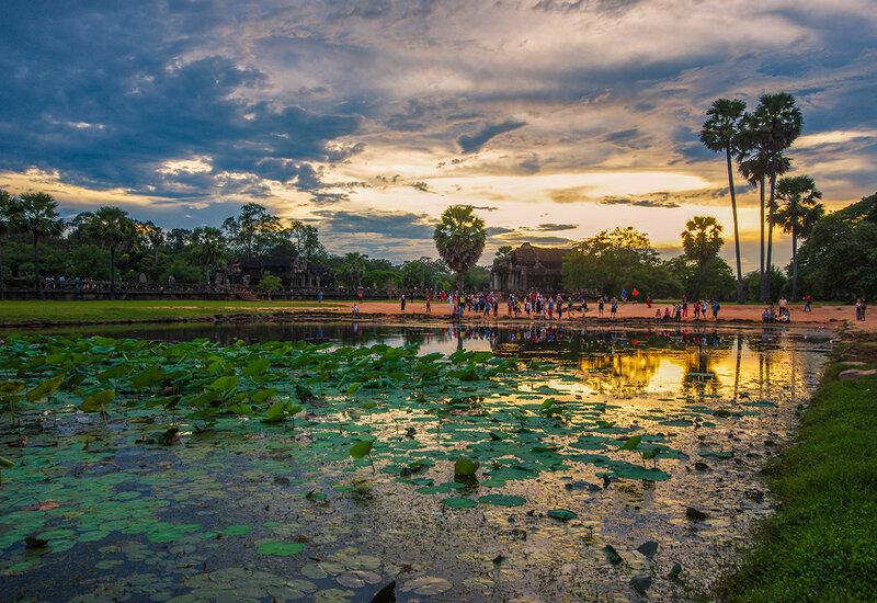 Вечер у Ангкор Вата