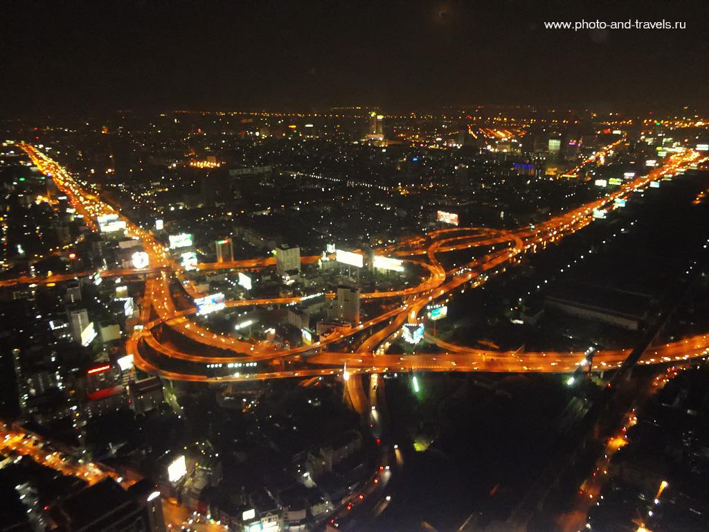 7. Со смотровой площадки на самом высоком здании в Бангкоке - отеле Baiyoke Sky открывается впечатляющий вид. Представляете, как романтично устроить ужин с видом на ночной мегаполис?
