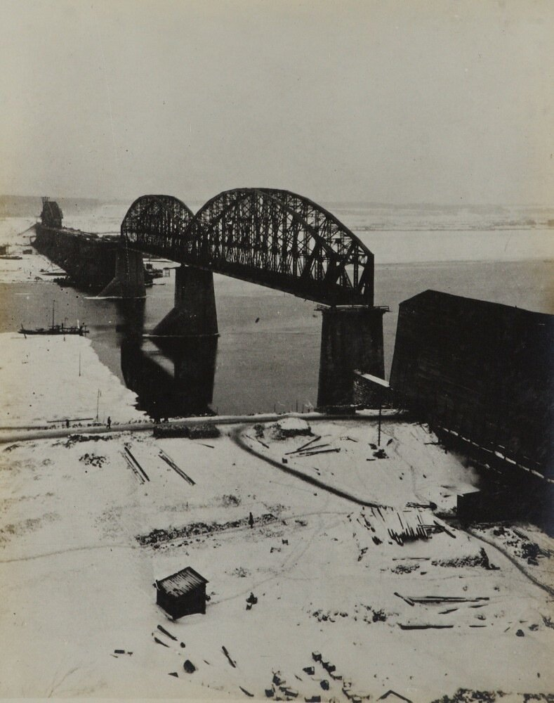 11. Общий вид строительных работ моста с Вязовых гор