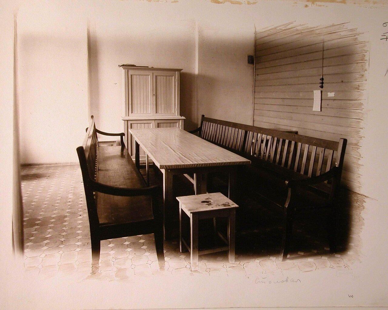 03. Вид части столовой в госпитале