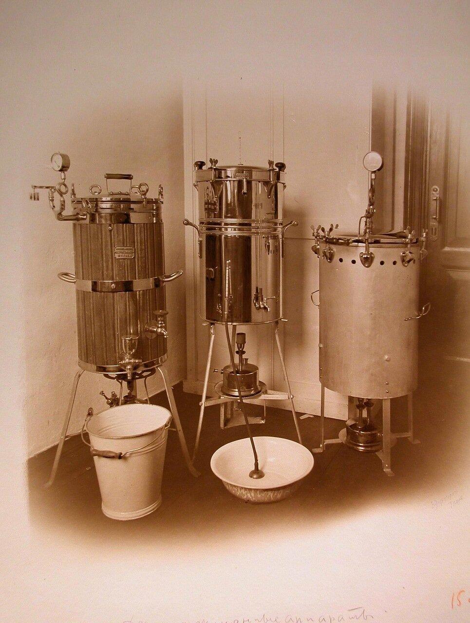 16. Общий вид дезинфекционных аппаратов, установленных в одном из помещений госпиталя