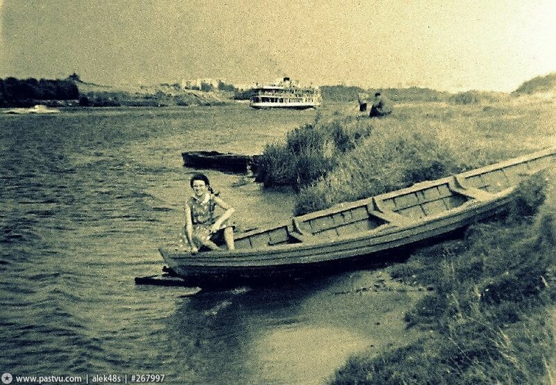 На берегу Масквареки.jpg