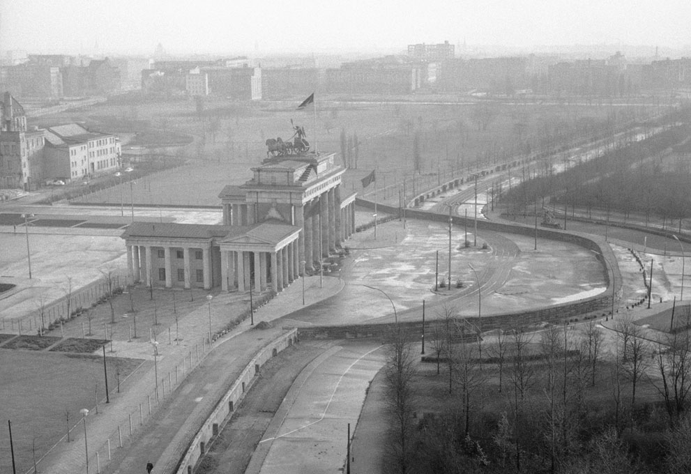 The Berlin Wall, 25 Years After the Fall1280.jpg