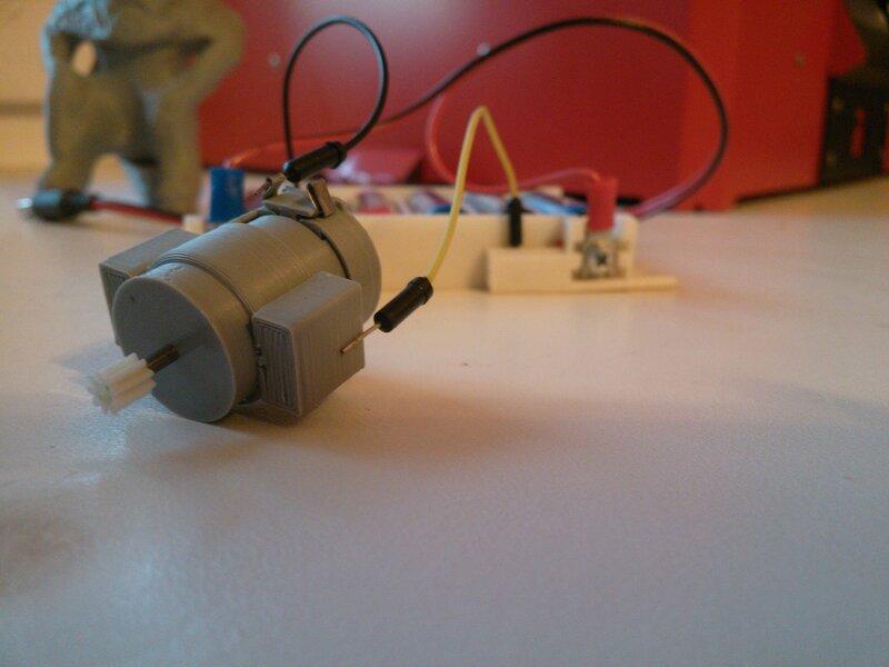 Моторчик с магнитиками-07.jpg