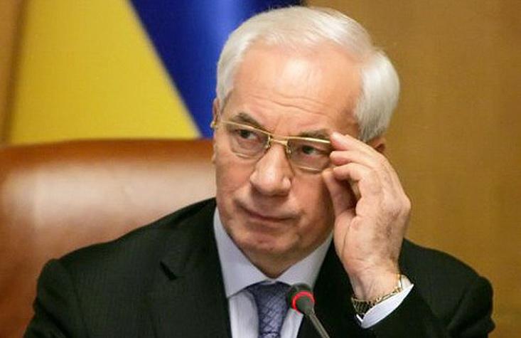 Азаров собирает «альтернативное руководство визгнании»