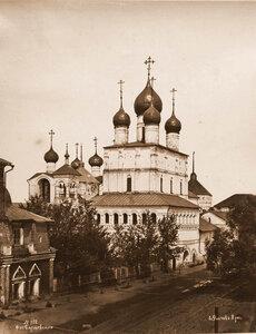 Вид надвратной церкви Воскресения в Кремле (вид с юго-западной стороны;постройка около1670 г.). Ярославская губ.