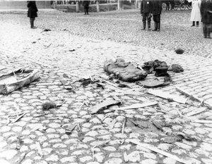 Часть кареты министра внутренних дел В.К.Фон-Плеве после взрыва бомбы.