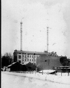 Общий вид зданий на территории завода.