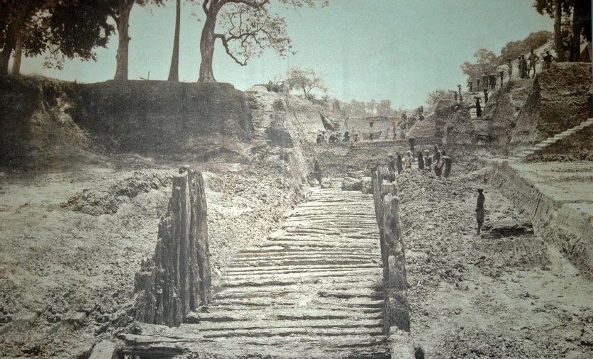 Древние строения Индии. Раскопки на глубине шесть метров