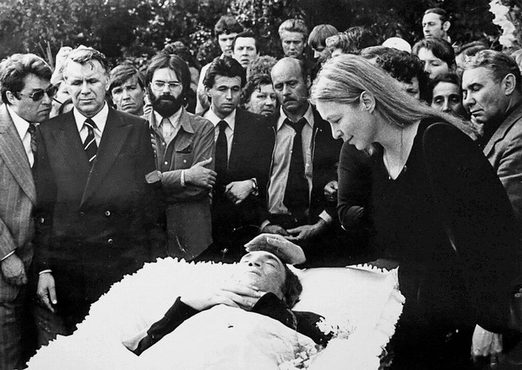 андрей миронов похороны фото