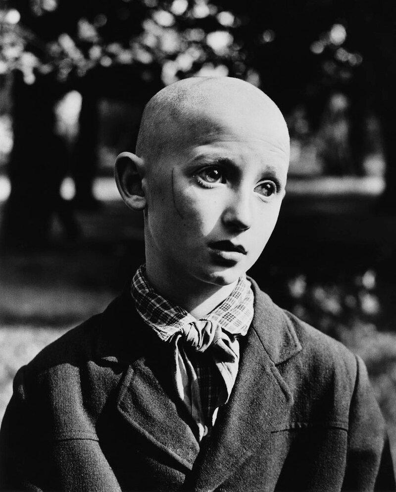 Антанас Суткус. Слепой пионер. Каунас, 1962.