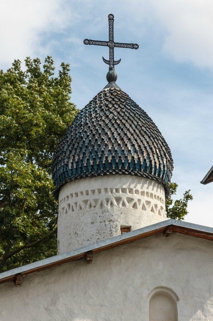 Маковка церкви Покрова и Рождества Богородицы от Пролома, Псков