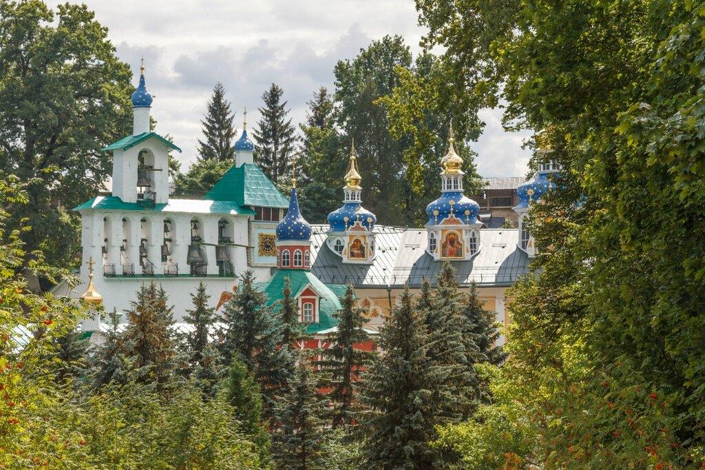 Церкви, Псково-Печерский монастырь