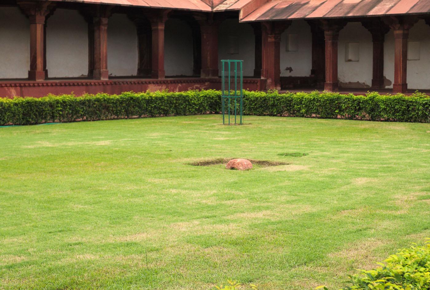 Фото 6. Путешествие из Джайпура в город Агра, где находится Тадж Махал. Лобное место. Отзывы туристов о поездке по Золотому треугольнику Индии.
