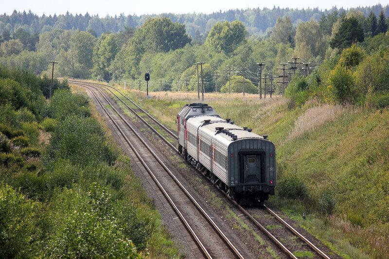 ТЭП70-0362 с пригородным Луга-1 - Псков-1