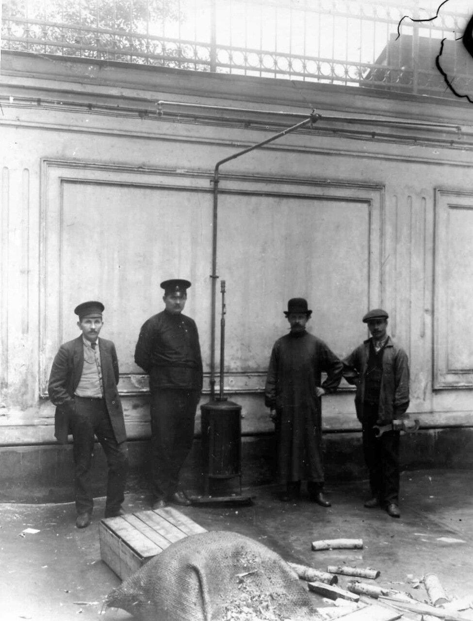 04. Подготовка опыта со спринклерным оборудованием. 25 марта 1910