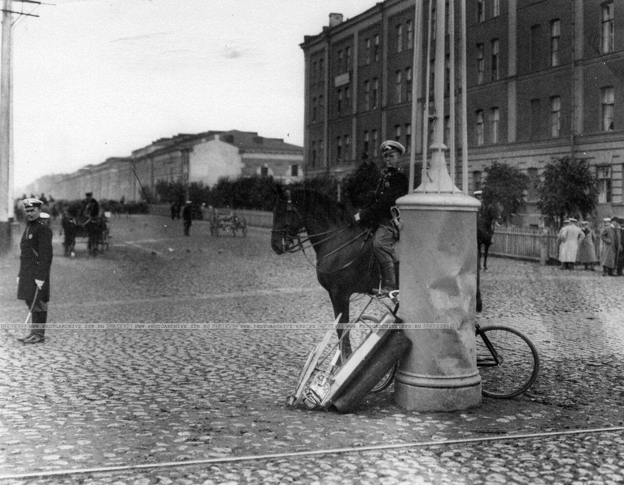 14. Полиция у места, где был убит министр внутренних дел Вячеслав Константинович фон Плеве
