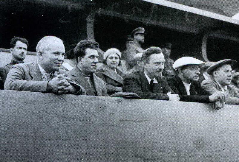 1935. Болельщик футбольного матча между командами Москвы и Баку