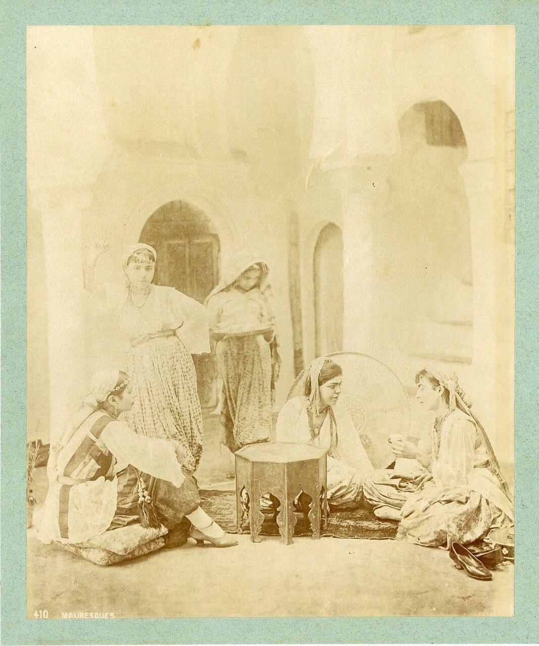 1875. Мавританки